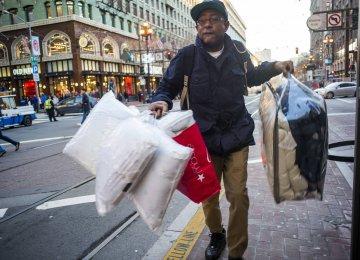 US Consumers Spending Big Again