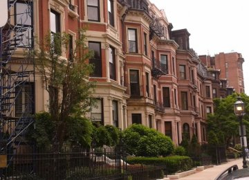 US House Owners Thrive, Renters Struggle