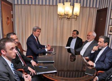 Zarif, Kerry Seek Ways to Push JCPOA Forward