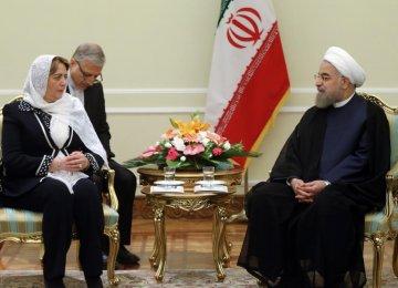 Syrian Parliament Speaker Hadiya Khalaf Abbas (L) meets President Hassan Rouhani in Tehran on Sept. 27.