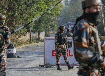 Militants Strike Indian Camp in Kashmir