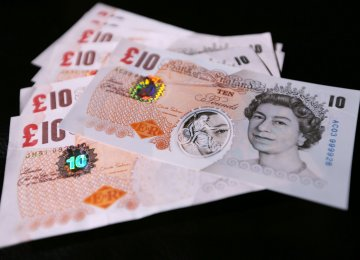 Sterling in Worst Run of Quarterly Losses Since 1984