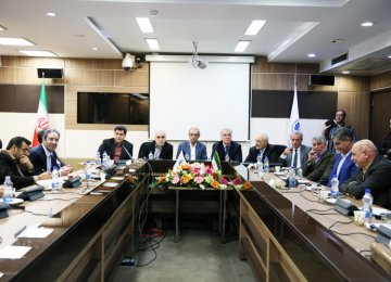 Iran: Ministerial Picks Exchange Notes With Private Sector Representatives