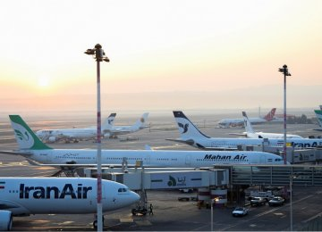 Iranians' Foreign Trips Down 30%