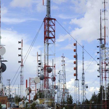 Call for Developing Tehran's Landline Internet Infrastructure