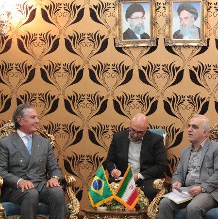 Iran, Brazil Discuss Expansion of Economic Ties