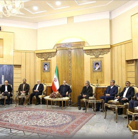 Iran, China Explore Ways of Deepening Ties