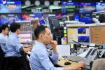World Stocks Stumble as US Yields Near 3% Barrier