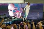Hamilton Opens 40-Point Lead in Singapore Grand Prix