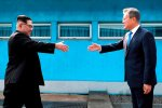 North Korean leader Kim Jong-un (L) and South Korean President Moon Jae-in meet in April 2018.