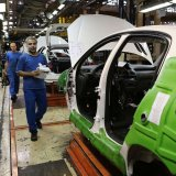 Industries Minister Ignites Controversy: : Carmakers' Full Privatization Still a Long Shot