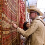 Two New Year handicrafts sales festivals attracted a huge attention from both the public and officials.