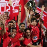 The cup was raised by the nine-year-old Hani Norouzi, son of former Persepolis captain, Hadi Norouzi, who passed away in October 2015 at the age of 30.