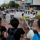 HK Protests Dwindle as Leader Agrees to Talks