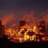 Fire Shuts Largest Refinery on US East Coast