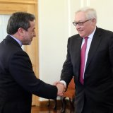 Tehran, Moscow Agree to Adopt United Stance  on Nuclear Deal