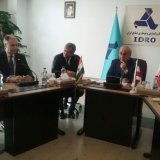 The agreement was signed in the presence of IDRO's Chairman Mansour Moazzami (R) and Indian Ambassador to Iran Saurabh Kumar (C) in Tehran on Sept. 6.