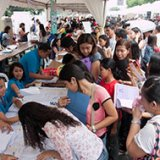 Philippine Jobless Rate Rises to 6.6%