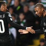 Neymar Jr. (L) and Kylian Mbappé joined PSG during summer with astronomical fees pushing the team  into financial unclarity accusations.