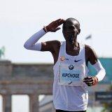 Kenyan Eliud Kipchoge Sets New Marathon World Record