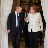 Putin, Merkel Discuss Defense Against US Sanctions Drive