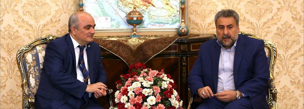 Russia Envoy, MP Discuss  Developing Economic Ties