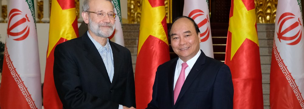 Vietnam's PM, Larijani Explore Ways to Strengthen Economic Ties