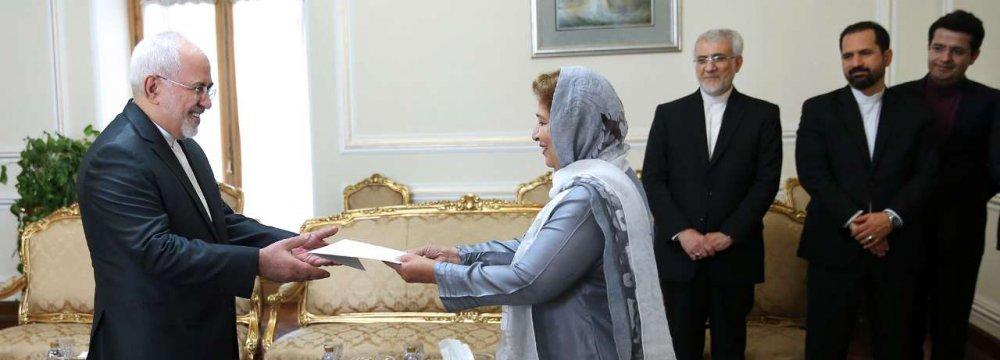 Zarif Meets New Pakistan  Envoy, PUIC Chief