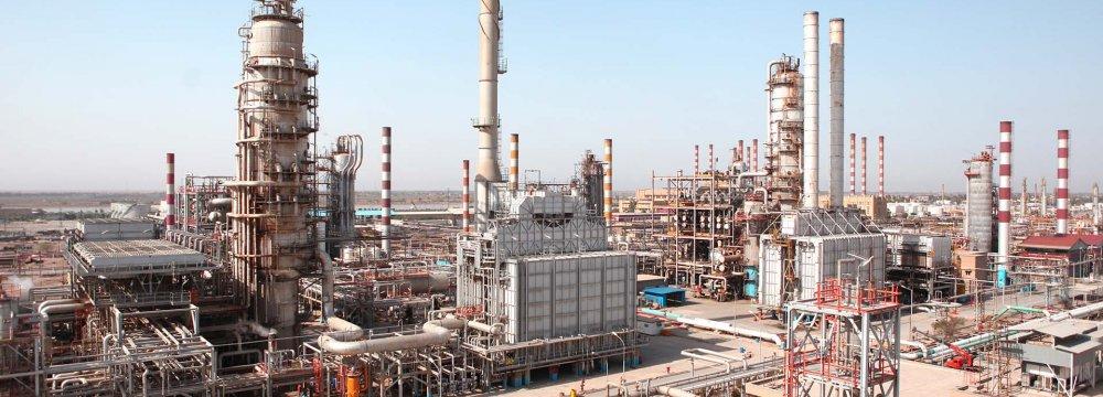 Chinese, Iranian Companies Expanding Abadan Refinery