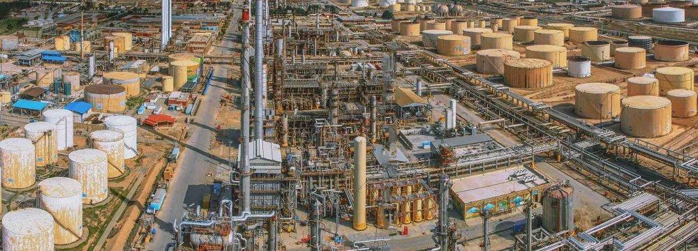 Tehran Oil Refinery Is Eco-Friendly