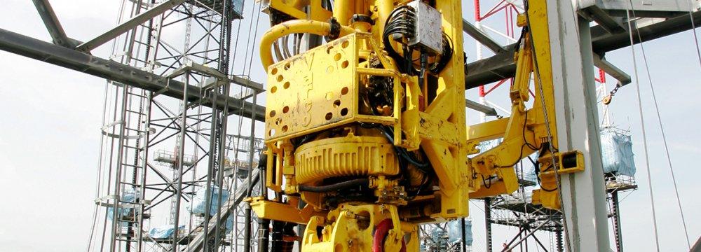 Zanganeh: No Trial & Error in Oil Industry