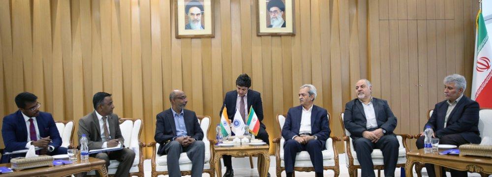India Envoy, ICCIMA Chief Discuss Banking Issues