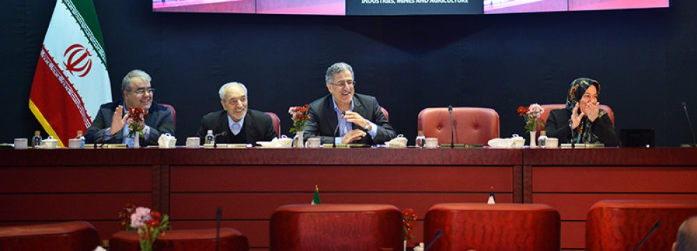 Tehran Chamber of Commerce gathered early Tuesday for its last get-together  of the current fiscal year that ends on March 20.