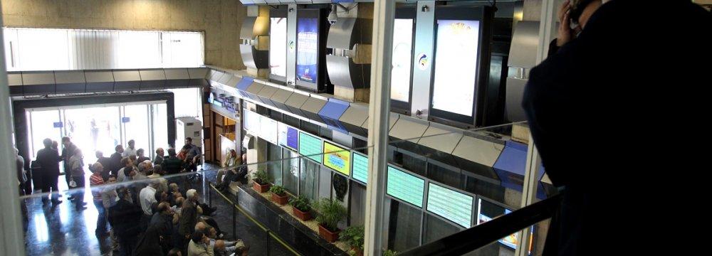 Tehran Stock Market: 3.2 Billon Shares Traded on Sunday