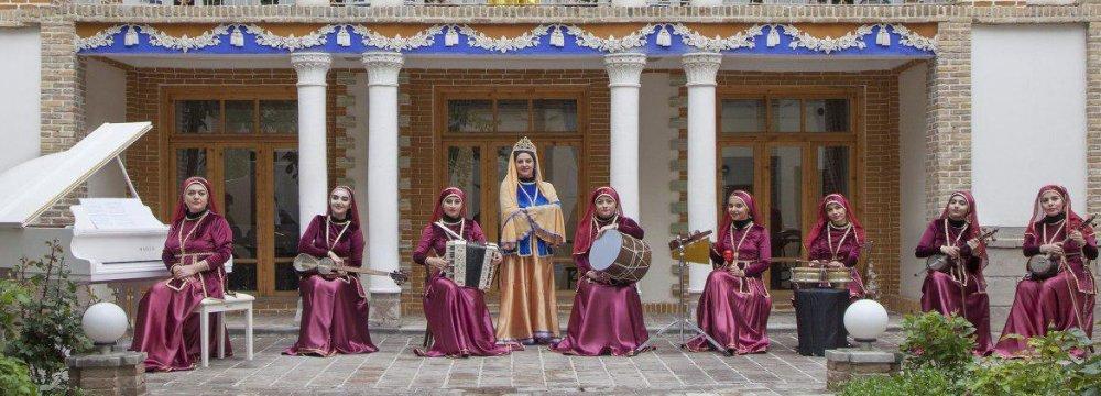 Azeri Folk Music by Parla Ensemble