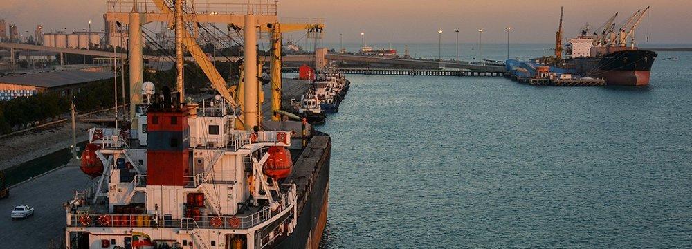 Major Iranian Ports' Throughput Dips 13%