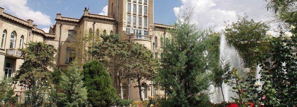 UK Diplomat Pledges to Promote Tabriz