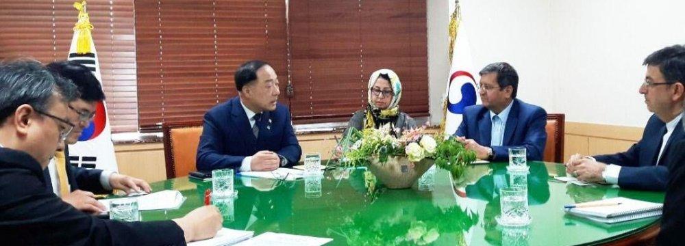 CBI Chief Holds Talks in Seoul