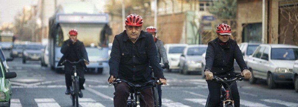 Tehran Mayor Pledges to Improve Public Transport