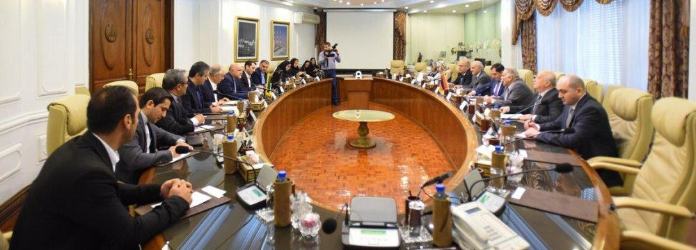 Armenian Minister Holds Energy Talks in Tehran