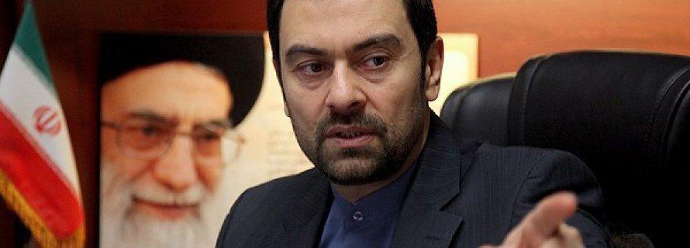 Official Meets Prisoners in Azerbaijan