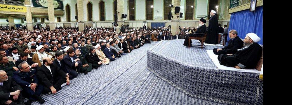 Leader Calls for Building  Modern Islamic Civilization