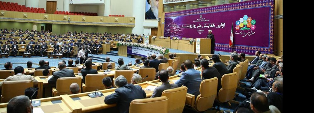 Rouhani Urges Private  Investment in Rural Areas
