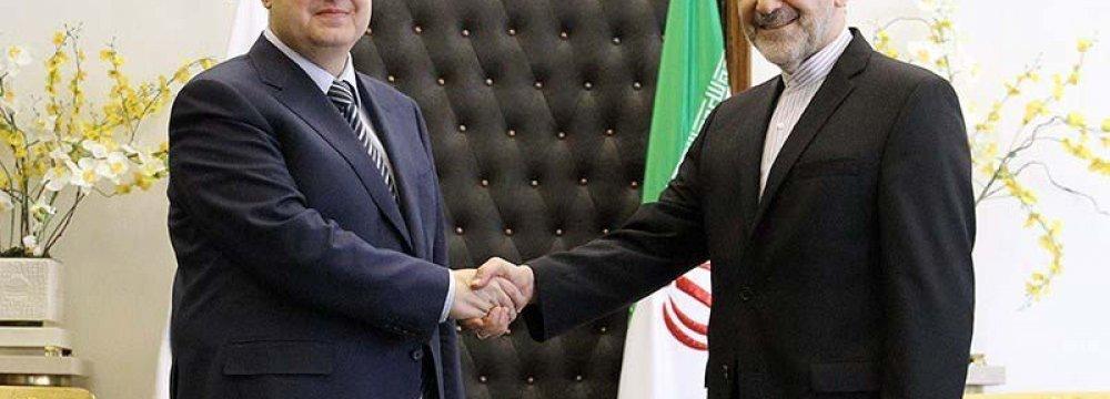 Serbia FM Meets Leader's Advisor