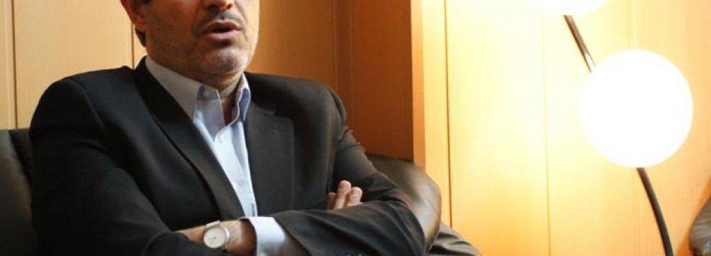 Reformists Seek Moderate Majlis