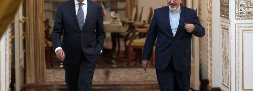 Zarif, Lavrov to Discuss Nuclear Pact, Syria
