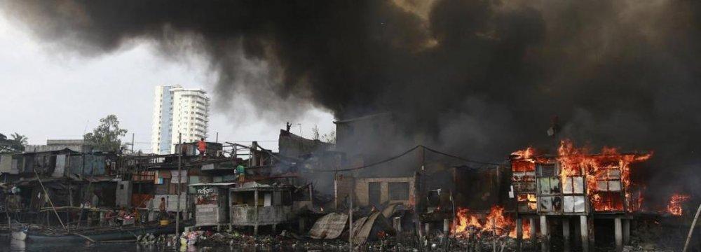 Fire Kills 15 in Philippines Market