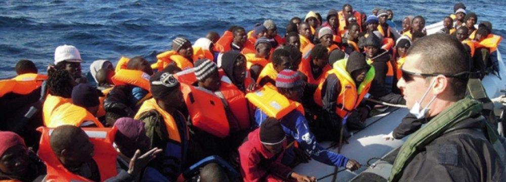1,000 Migrants Rescued Off Italy, 10 Die