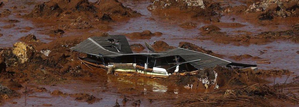 28 Missing After Brazil Dams Burst