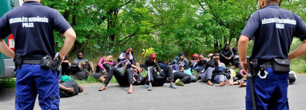 EU Struggling to Solve Migrant Crisis